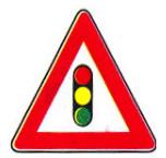 تابلو هشدار چراغ راهنمایی